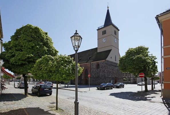 Blick zur Kirche, Fotorechte: Henry Mundt
