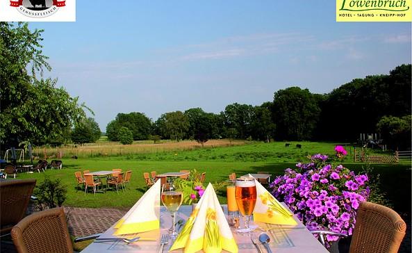 Gartenblick von der Terrasse, Foto: Landhotel Löwenbruch