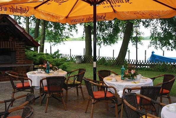 """Restaurant im Hotel """"Seehof"""" Netzen - Sonnenterrasse, Foto: Hotel """"Seehof"""" Netzen"""