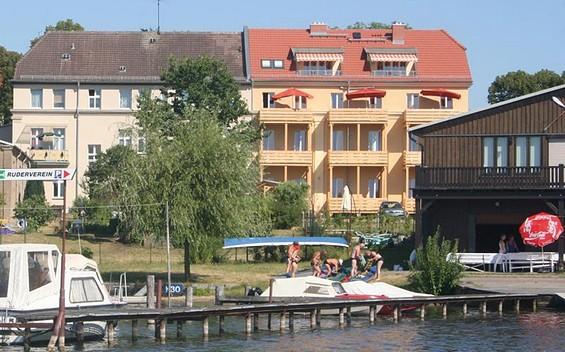 """""""Ayurveda & Vitalzentrum"""" Apartmenthaus am Grienericksee Rheinsberg"""