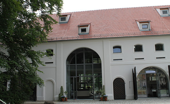 Die Touristikinformation Lieberose befindet sich im historischen Wirtschaftsgebäude, Foto: TEG