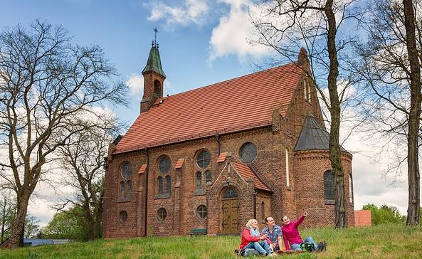 """Kirche """"Zum guten Hirten"""" Grünheide, Foto: Florian Läufer"""