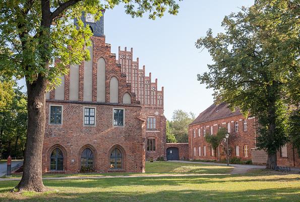 Kloster Zinna - Alte und Neue Abtei, Foto: Jedrzej Marzecki