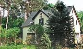 """Hausansicht der Ferienwohnungen """"Heidehof"""" in Serwest, Foto: Bärbel Kohn"""