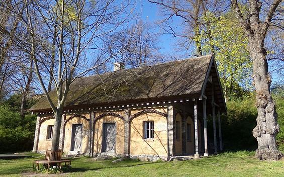 Waschhaus im Gutspark Petzow