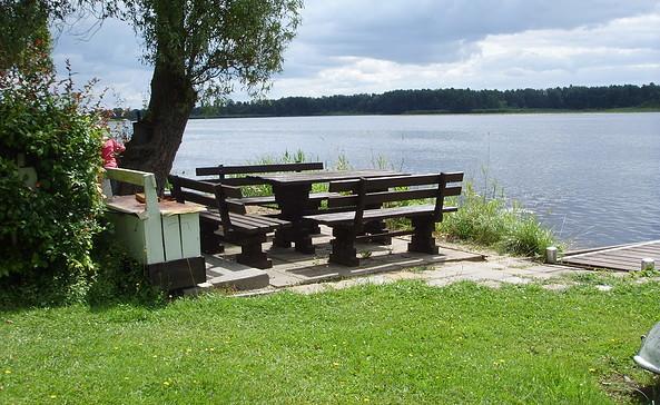 Terrasse am See der Ferienwohnungen & Bungalow am Oderberg See, Foto: Renate Peters