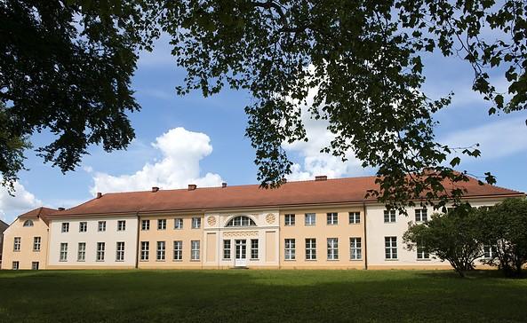 Schloss Paretz - Blick auf die Gartenfassade, Foto: SPSG/Leo Seidel