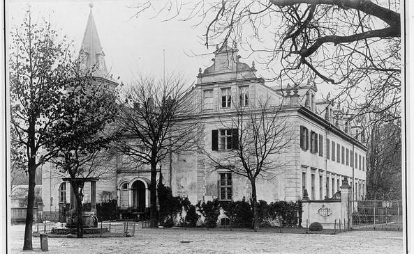 Schloss, Hofseite um 1904, Foto: DKB Stiftung