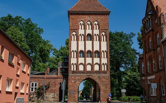 Heilig-Geist-Kirche und Gröpertor