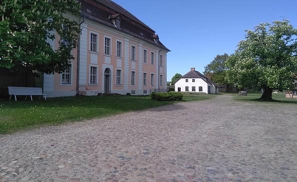 Gut Zernikow, Foto: Tourismusverband Ruppiner Seenland e.V.