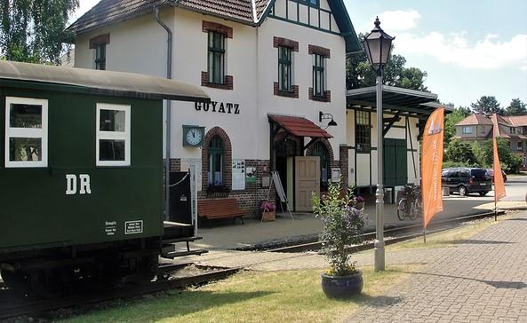 Goyatz Ortskern und Bahnhof, in welchem die Fahrradvermietung ist, Foto: TEG