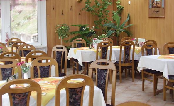 "Blick in den Gastraum, Foto: Café & Restaurant ""Seeblick"", Liane Haferkorn"