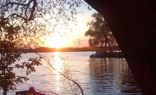 Sonnenuntergang am Ferienhof, Foto: Neumann