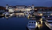 Maritim Hafenhotel Rheinsberg bei Nacht, Foto: Maritim Hafenhotel Rheinsberg