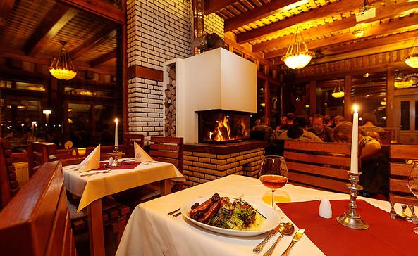 Anna Amalia Restaurant mit Seeterrasse - Kaminzimmer, Foto: Freizeit-recra GmbH