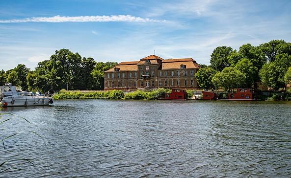 Blick auf das Schloss Plaue, Foto: TMB-Fotoarchiv/Steffen Lehmann