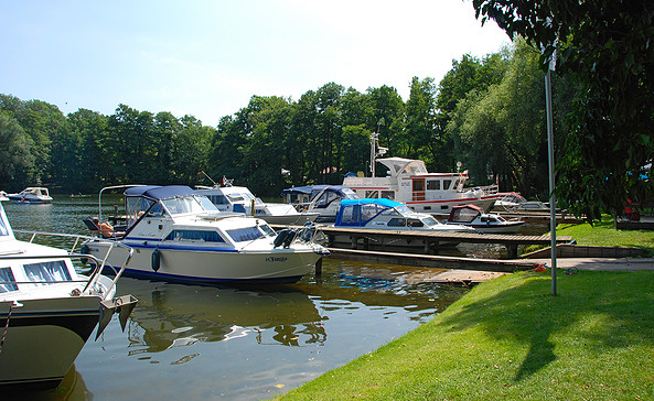 Yachthafen Porta Elisa - idyllische Lage in einer Bucht, Foto: Christin Drühl