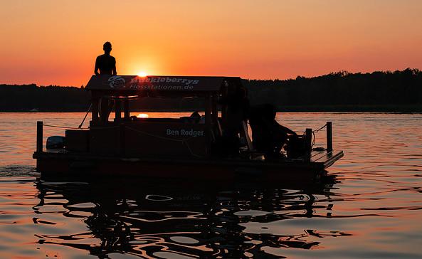 Mit dem Floß rund um die Insel Potsdam, Foto: PMSG/ Nadine Redlich