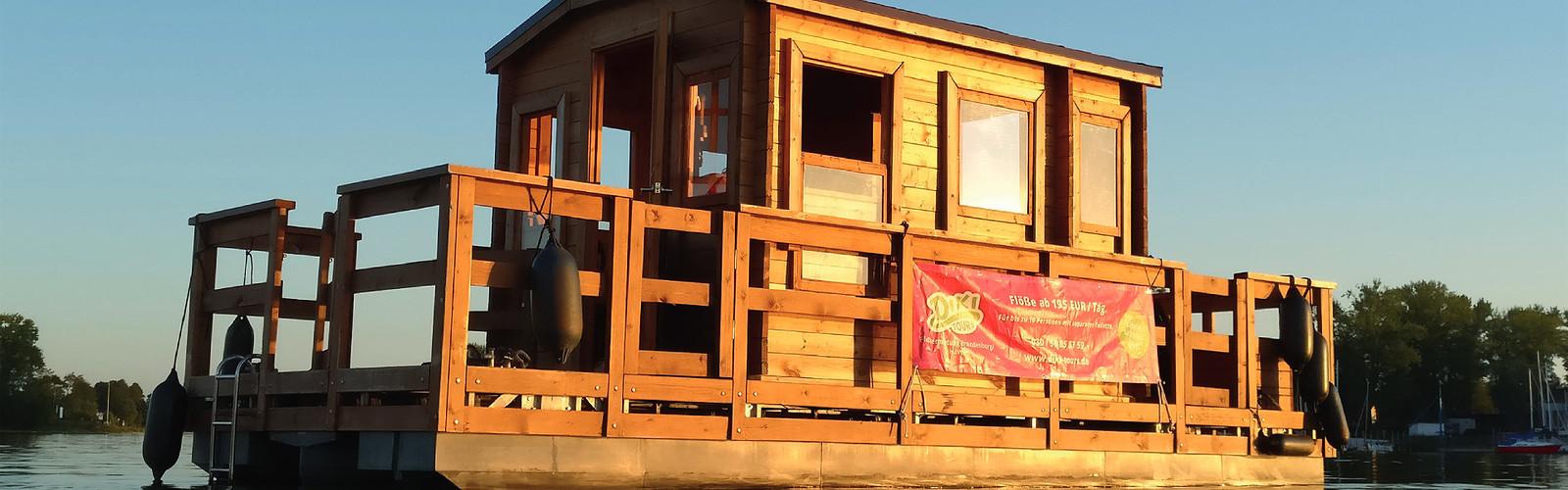 Diki Floß Typ 4 - Sonnenuntergang (c) Diki Tours GmbH Sandra Robinson