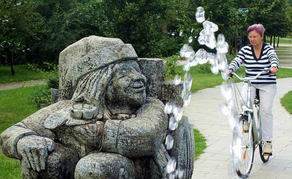 Wassermann am Eingang des Kur- und sagenparkes in Burg (Spreewald), Foto: Konrad Langer