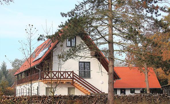 """Ferienwohnungen """"Zum Baumhaus"""""""
