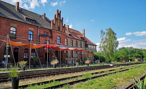 Bahnhof Rehagen Außeterasse, Foto: Tourismusverband Fläming e.V.