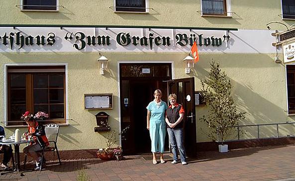 """Hausansicht des Restaurants """"Zum Grafen Bülow"""" (c) Zum Grafen Bülow"""