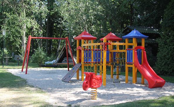 Spielplatz an der Strandwiese Wolziger See, Foto: Tourismusverband Dahme-Seen e.V. / Pauline Kaiser