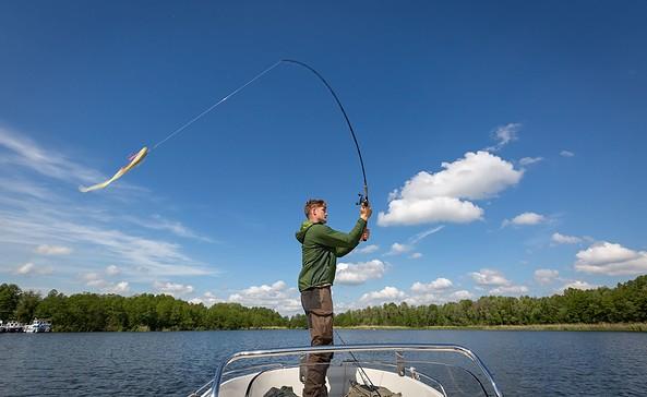 Kleiner Müllroser See, Angler auf Boot, Foto: Florian Läufer