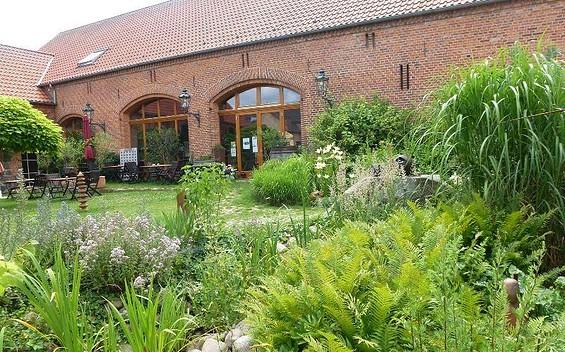 Hofcafé auf dem Künstlerhof Roofensee