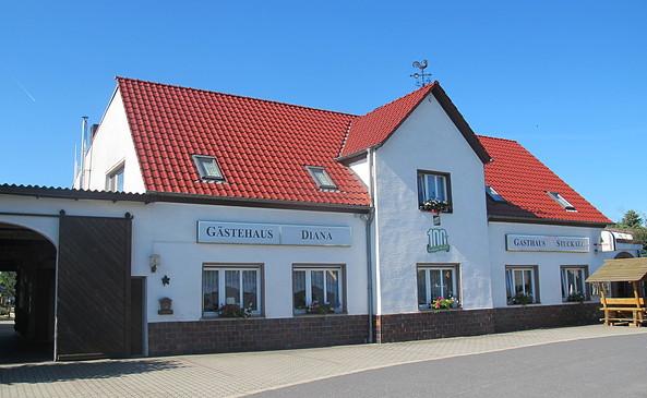 Gasthaus Stuckatz mit Gästehaus Diana von außen, Foto: Gasthaus Stuckatz