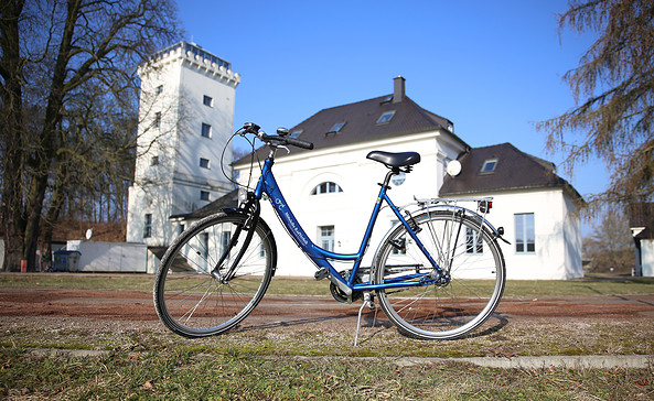 Blaues Leihrad, Foto: Christel Heppner