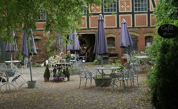 Außenbereich des Cafés Zur alten Lebkuchenfabrik, Foto: TMB-Fotoarchiv/Steffen Lehmann