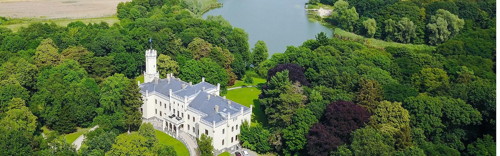 Aerial view, photo: Schloss Reichenow