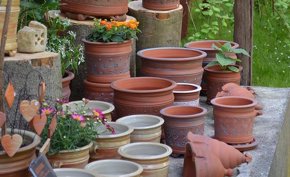 Keramik im Garten, Foto: Keramikatelier-Andrea Forchner und Stefan Laub