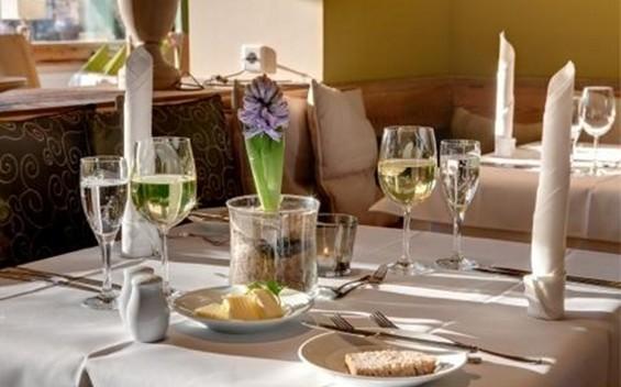 """Strandcafé - Restaurant & Terrasse im """"Hotel Strandhaus"""""""