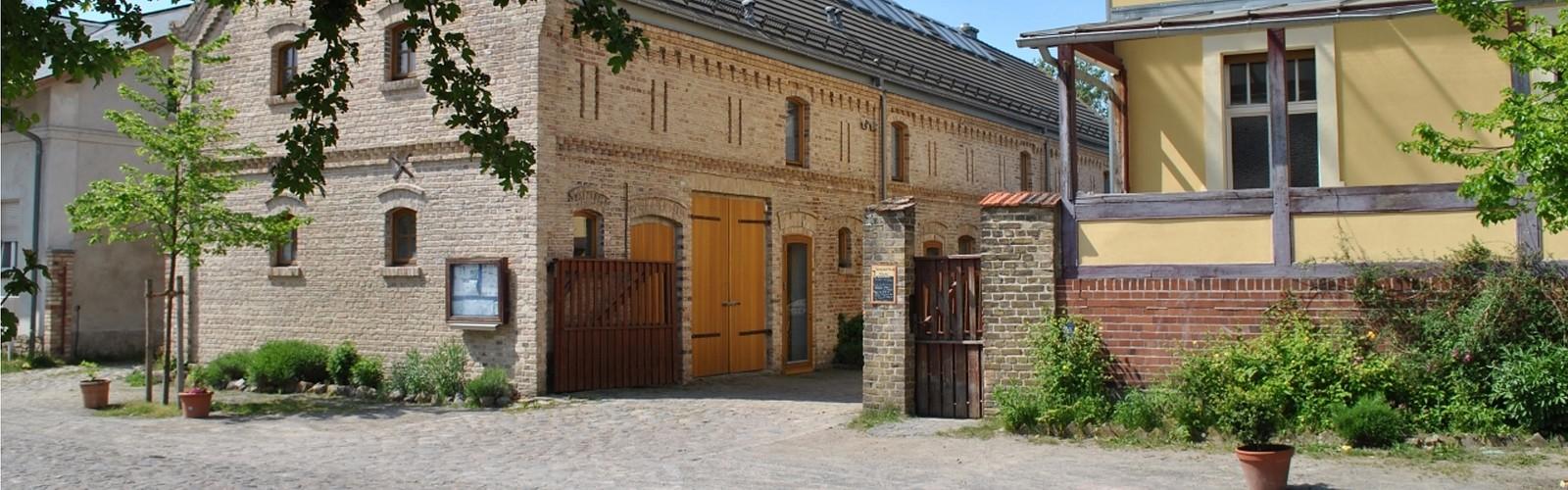 Street view of the Storchenhof, photo: Storchenhof Paretz
