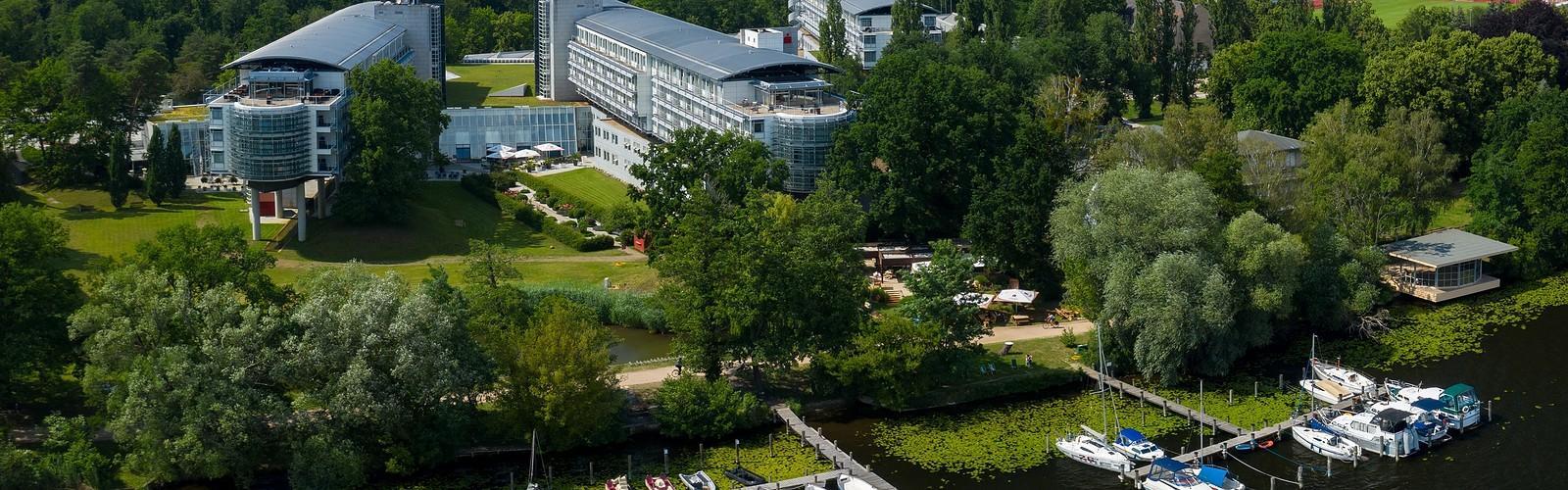 Luftansicht Sommer © Kongresshotel Potsdam