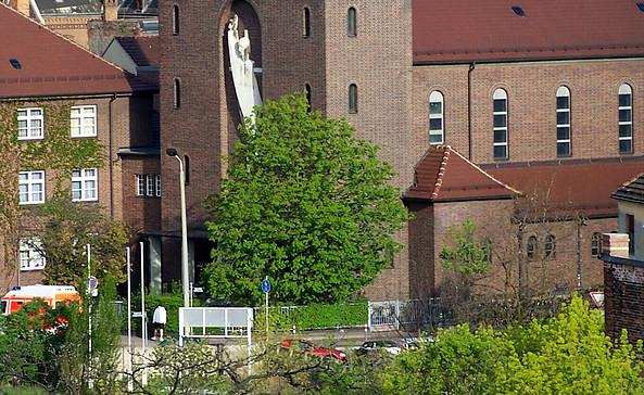 Propstei- und Pfarrkirche St. Maria Friedenskönigin