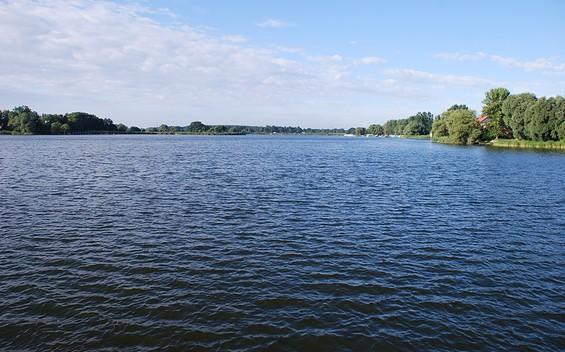Floßtour durch die Flusslandschaft Untere Havelniederung in die Optikstadt Rathenow