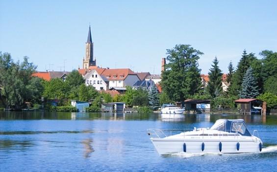 Durch Stadt und Land - von Fürstenberg/Havel nach Neuruppin