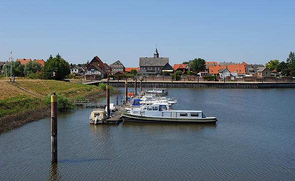 Schnackenburger Bootsfreunde - Anleger an der hübschen Fachwerkaltstadt © Christin Drühl