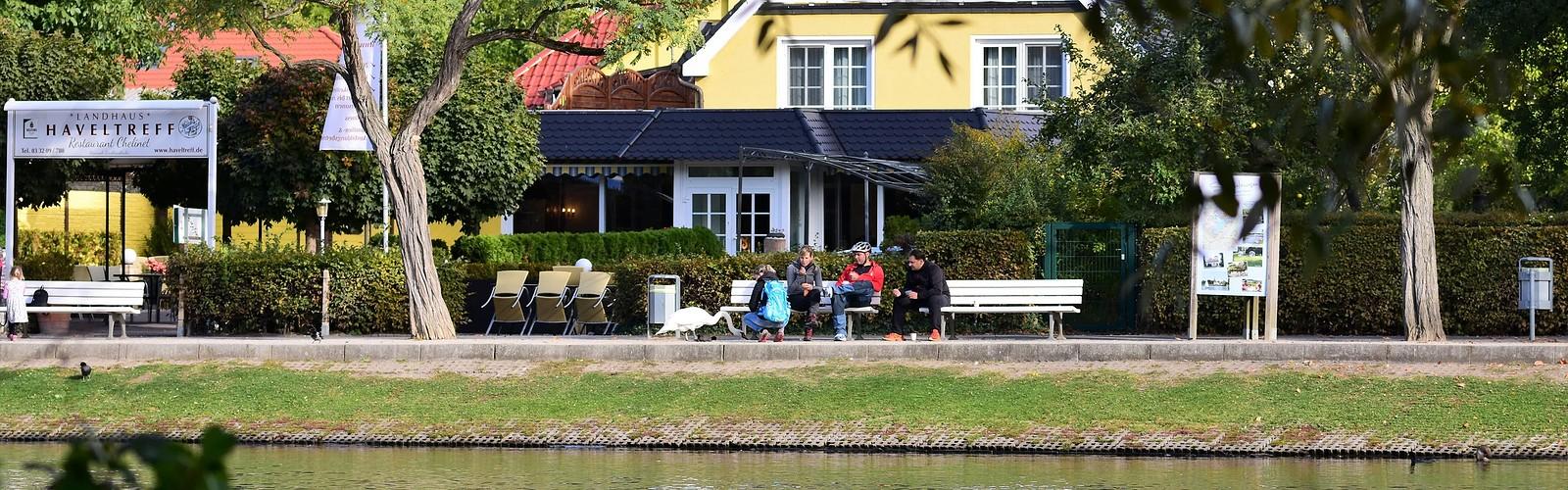 Bank promenade, Foto: Landhaus Haveltreff