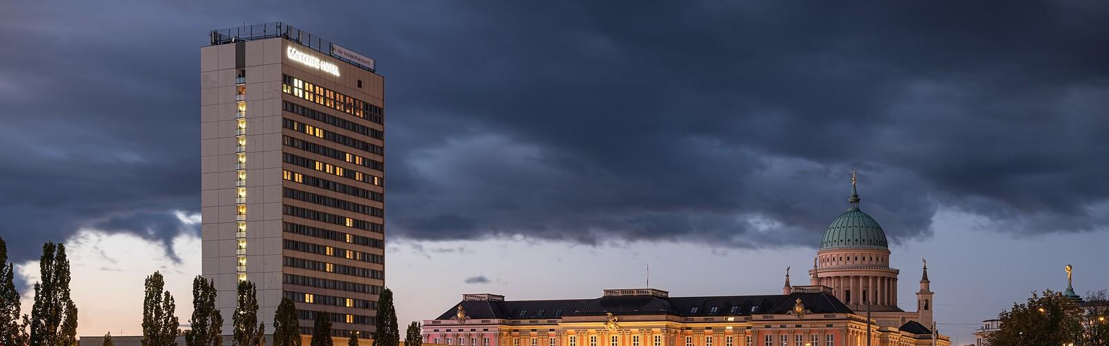 Hotel Mercure bei Nacht , Foto: Eric Kemnitz , Lizenz: Eric Kemnitz