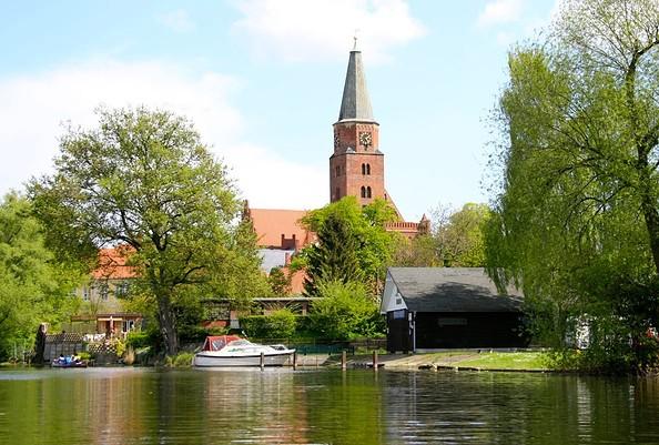 Blick auf den Dom zu Brandenburg an der Havel, Foto: TMB-Fotoarchiv/Silber