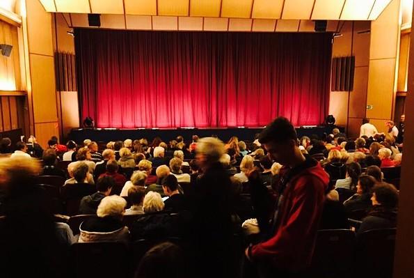 Neue Kammerspiele Kleinmachnow - Kinosaal vor einer Kinovorstellung