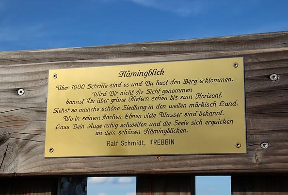 Gedicht auf dem Aussichtsturm Löwendorfer Berg, Foto: Tourismusverband Fläming e.V. / A. Stein