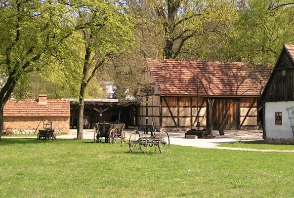 Teil der Hofanlage des Niederlausitzer Heidemuseums