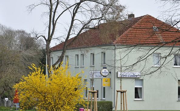 """Gaststätte """"Drei Linden"""", Foto: Tourismusverband Fläming e.V."""