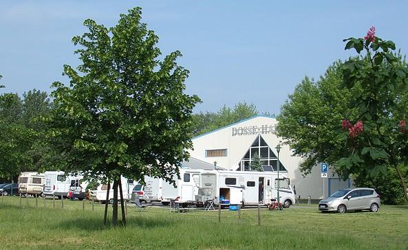 Wohnmobilstellplatz an der Dossehalle in Wusterhausen/Dosse, Foto: Elke Schmiele